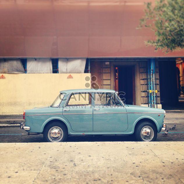 Vieille voiture Fiat dans la rue de Rome - image gratuit #331899