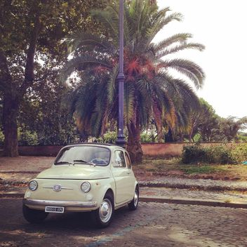 Fiat 500 on the streets of summer town - image gratuit #331929
