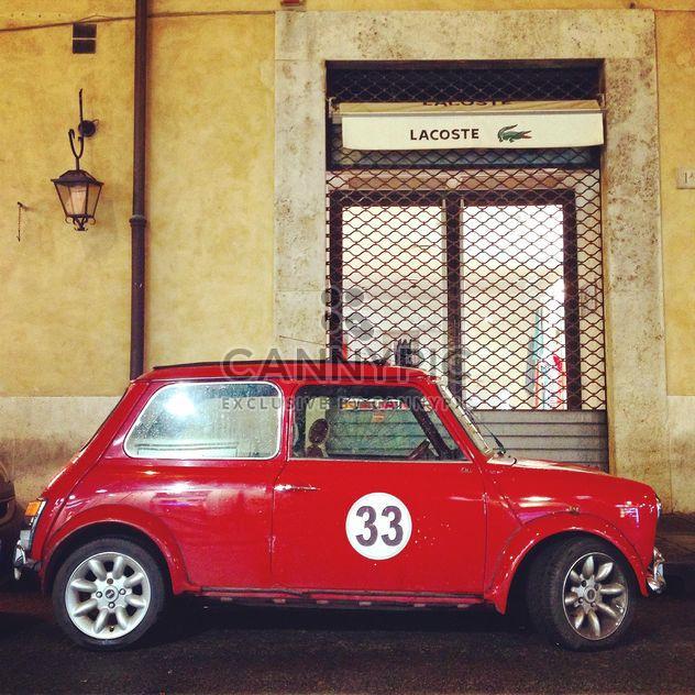 Altes rotes Auto in der Nähe - Kostenloses image #331939