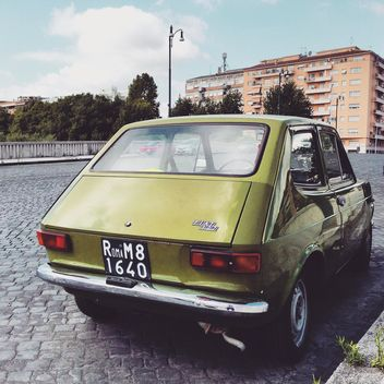 Old Fiat 127 on road - image gratuit #332029
