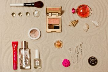 Cosmetic with the sands background - image gratuit #333229