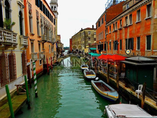Gondeln am Kanal in Venedig - Kostenloses image #333679