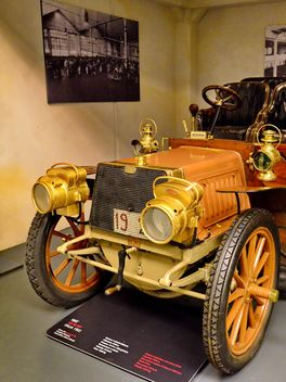 vintage cars in museum - Free image #334839