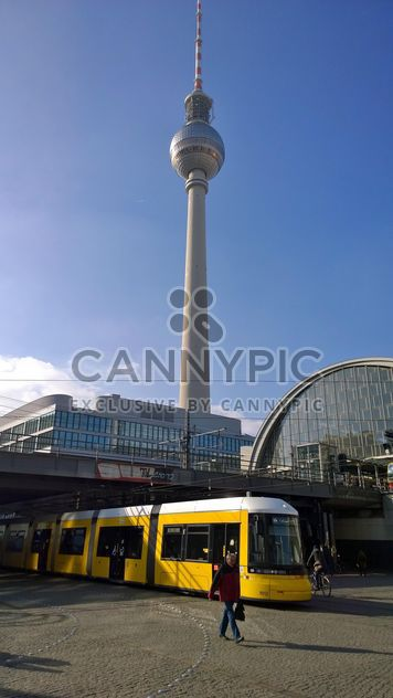 Yellow tram at the Alexanderplatz - Kostenloses image #335269