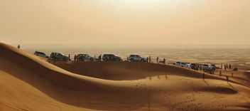 White cars in desert - бесплатный image #339139