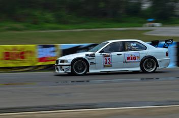 Racing at Bonunza racing field - image gratuit #339159