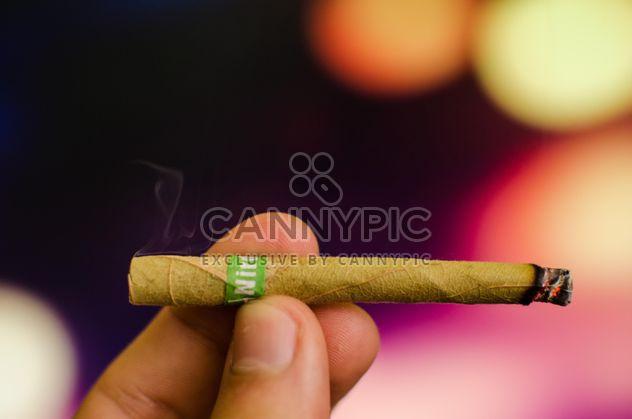 Gros plan de cigarette - image gratuit(e) #343539
