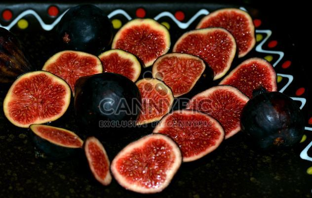 Placa com doces figos maduros - Free image #344569