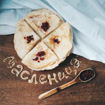 Fresh pancakes with berries for Shrovetide - бесплатный image #345069