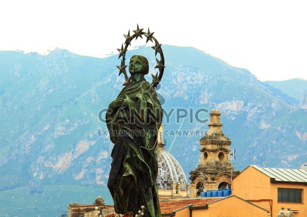 Statue on roof of Palermo City, Italy - image gratuit #346259
