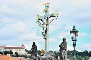 Statue Saint Cross in Prague, Czech Republic - бесплатный image #348599