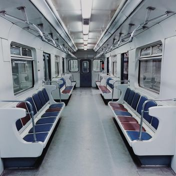 Empty subway car - image gratuit(e) #363689