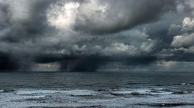 Indecisive weather - image #427399 gratis