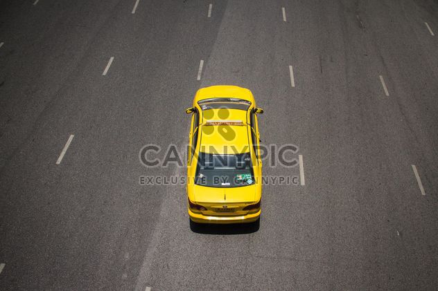 Yellow taxi on highway - Free image #136579