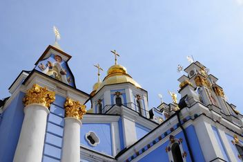 St. Michael's church against blue sky - бесплатный image #182929
