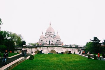 Basilica of the Sacred Heart, Rue du Chevalier de la Barre - image #184249 gratis