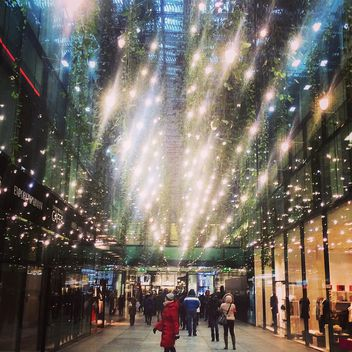Illumination in shopping mall - image gratuit #184319
