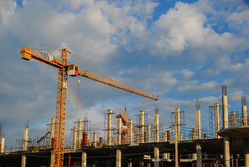 crane at a construction site - image gratuit #186339