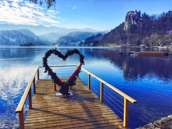 Pier and heart arch, Lake Bled - image #186819 gratis