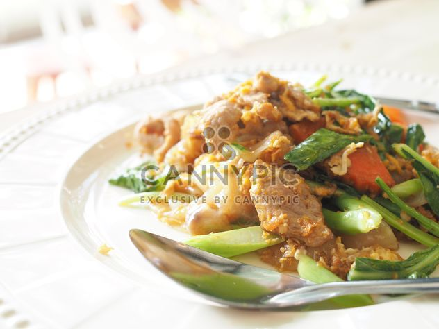 noodle fried with egg and pork - Free image #186999