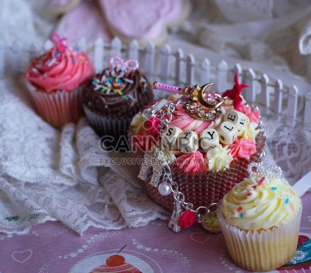 Decorated cupcakes - Free image #187179