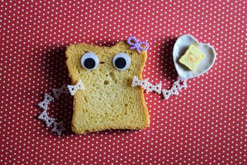 Toast with eyes - image gratuit #187299