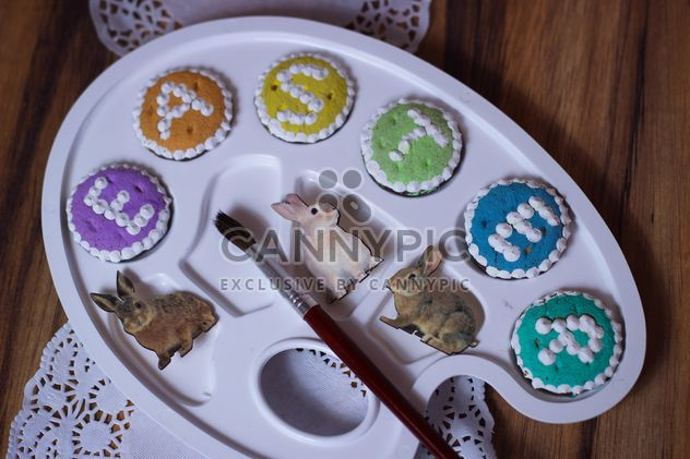 Easter cookies and decorative palette - image #187549 gratis