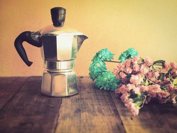 Moka pot in vintage color - image gratuit #194379