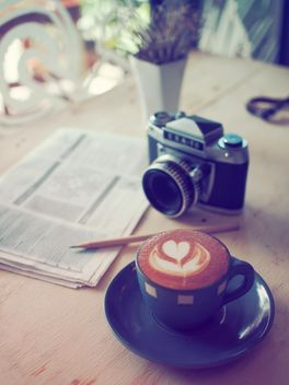 Coffee with classic camera - image gratuit #197879