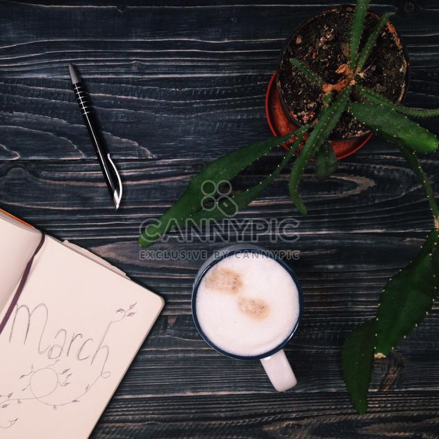 Coffee and a diary - Kostenloses image #198509