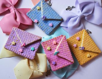 Cookies With A colorful Bows - image gratuit #201019