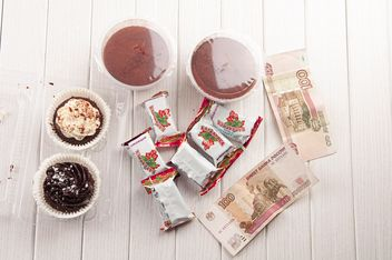 Chocolate desserts, cakes and candies for 3 dollars, Russia, St. Petersburg - image gratuit #272559