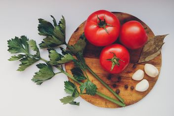 Tomatoes with garlic - image #274849 gratis