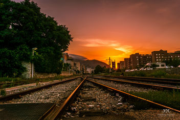 Sunrise at train tracks in Trapani, Sicily (Italy) - image gratuit #291099