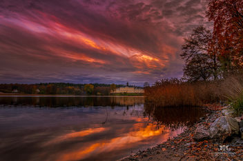 Ulriksdals Slott in fall and sunset - Free image #291259