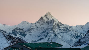 Sunset on Ama Dablam (6,856 metres or 22,493 ft) - Kostenloses image #294199