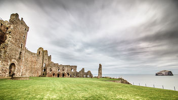 Tantallon castle and bass rock, Scotland, United Kingdom - travel photography - Kostenloses image #297249