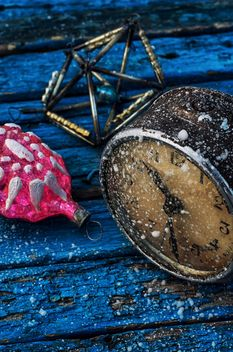 Christmas decoration and old clock - image #302049 gratis