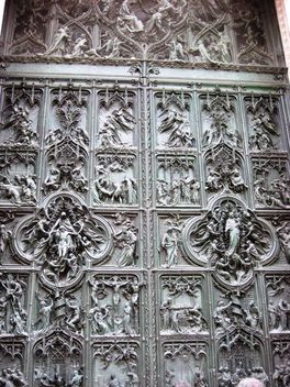 Doors of Milan Cathedral - бесплатный image #304149