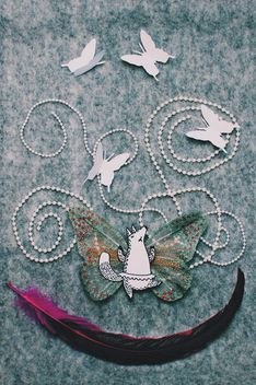 Applique made of paper fox, butterflies and feather - бесплатный image #305369
