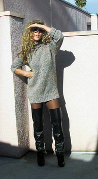 SweaterDress-leather-spats-over-the-knee - image gratuit #314219