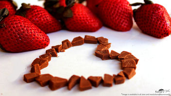 Essence of love with sweet chocolate and Strawberries # 2 [Happy Chocholate day]. - Free image #320169