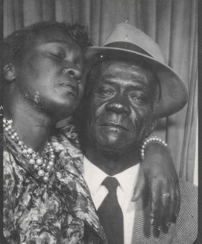 African American couple in a photo booth - image gratuit #320729