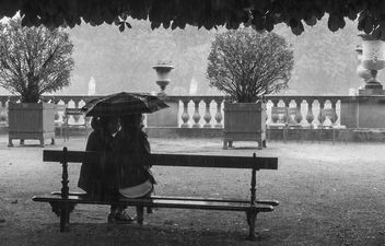 Under the rain - image #320839 gratis