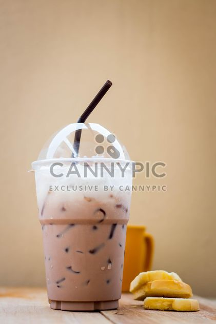 Iced coffee in plastic glass - image gratuit #330429