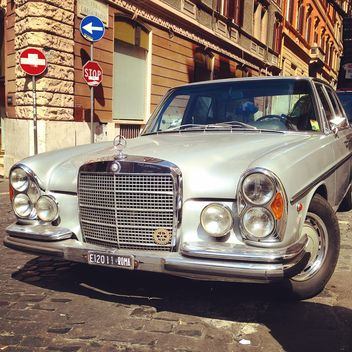 Old Mercedes car - image gratuit #331159
