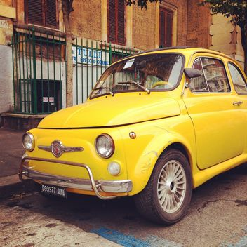 Yellow Fiat 500 car - image gratuit #331209