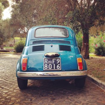 Blue Fiat 500 car - Free image #331649