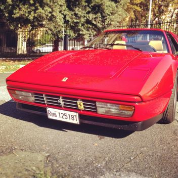 Old red Ferrari - image #331699 gratis