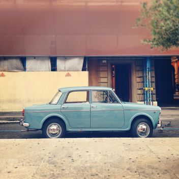 Old Fiat car in the street of Rome - image gratuit #331899
